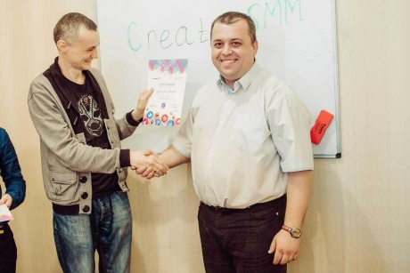 kursuSMM_na_100_vipuskniki